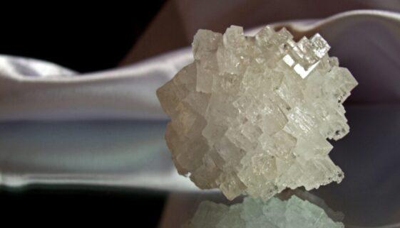 crystal-955935_1920